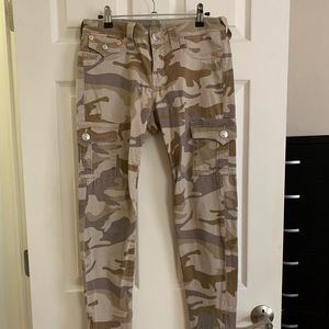 True religion camo Jean/jegging
